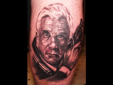 Portraits  Leslie Neilson Celebrities  Black Grey Lower Leg