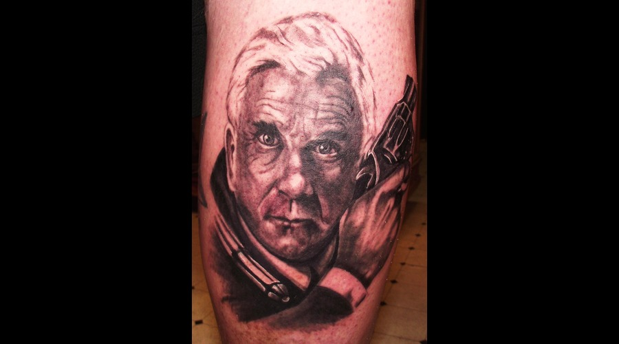 Portraits  Leslie Neilson Celebrities  Black Grey Lower Leg