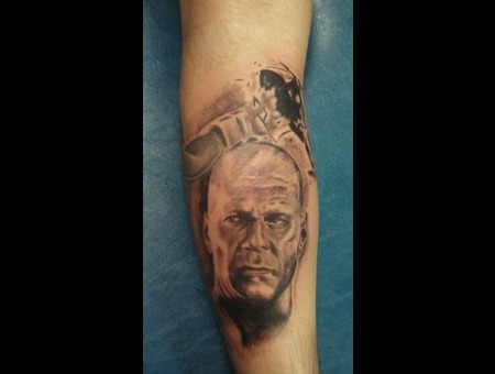Portrait  Bruce Willes  Realism  Die Hard Black White