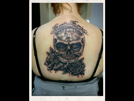 Skull Roses Nopain No Gain Black White