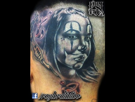 Chicana Black Grey Head