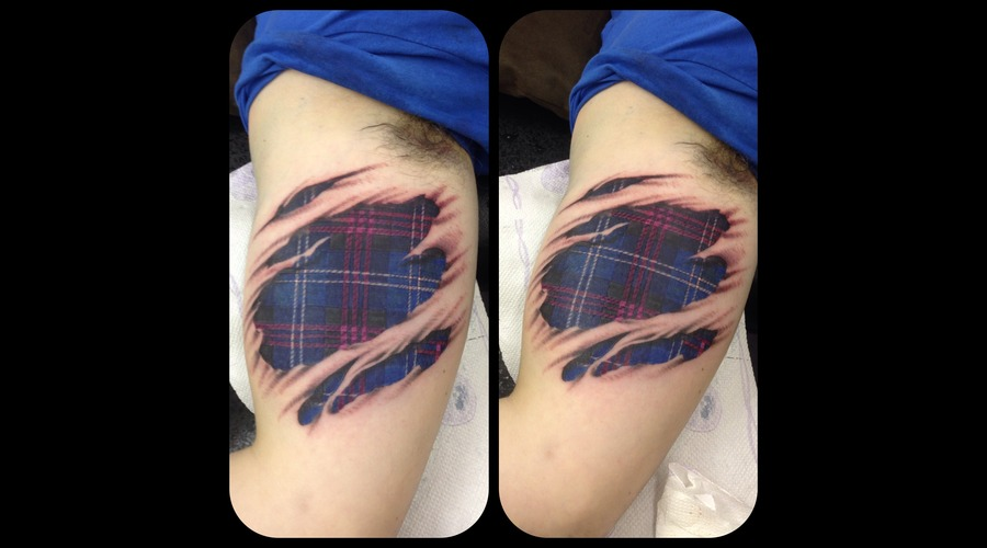 Tartan Ripped Skin Color Arm