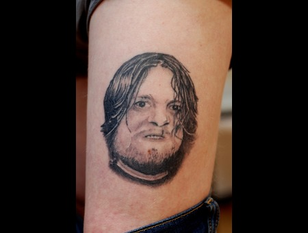 Portrait Black Grey Thigh