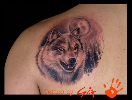 Wolf  Realistic Color Shoulder