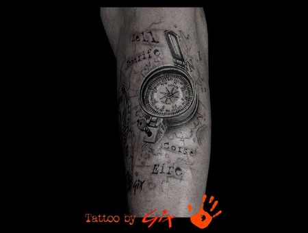 Realisitc  Map  Compass Black Grey Forearm