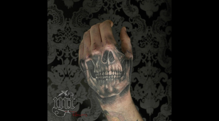 Skul Black Grey Arm