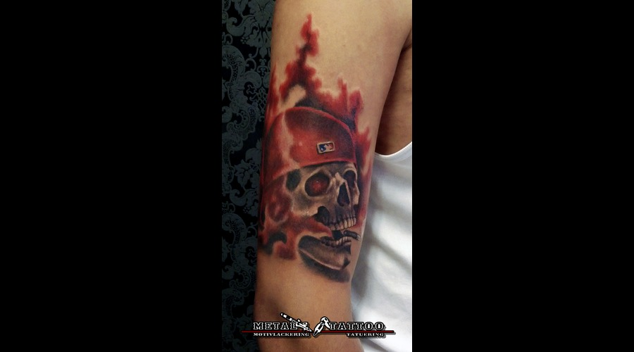 Skull Smoking Kills Color Shoulder
