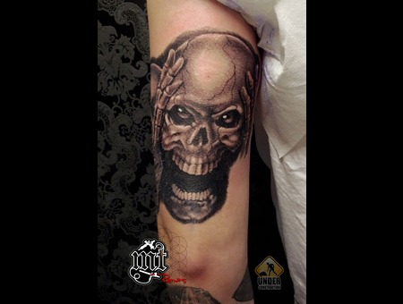 Skull Black Grey Shoulder