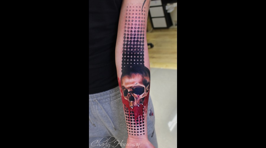 Skull Realistic Trash Color Arm