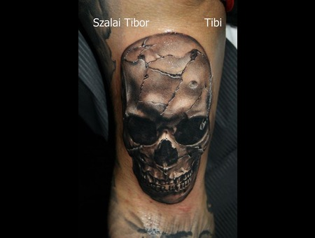 Skull  3 D  Realistic Black Grey Arm
