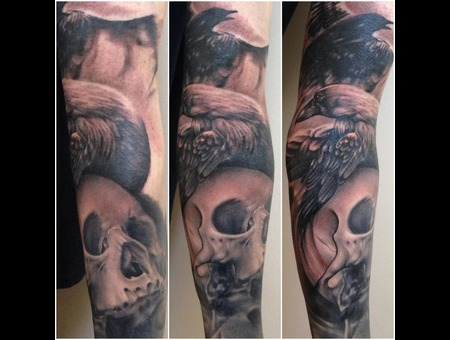 Skull  Raven  Black Grey Arm