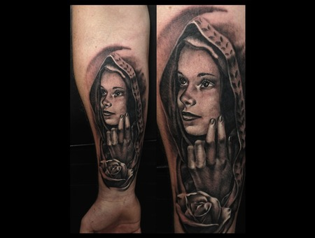 Toroktattoo Virgin Mary Arm