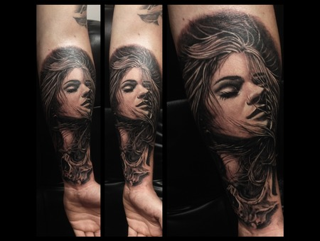 Toroktattoo Woman Forearm