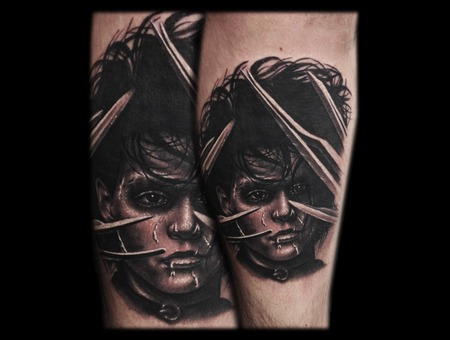 Toroktattoo Edward Scissorshand Lower Leg