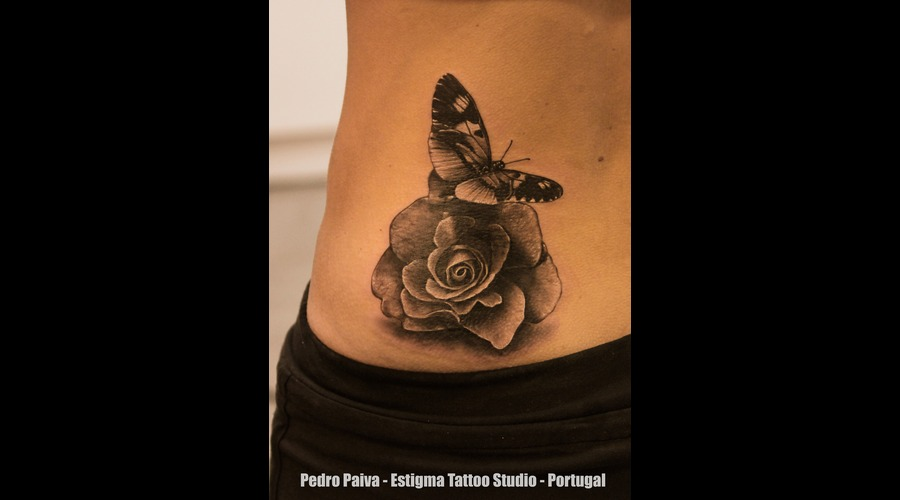 Butterfly  Rose Black Grey Hip