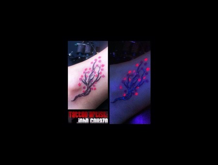 Tattoo Black Light  Color