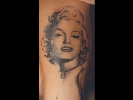 Marilyn  Marilyn Monroe  Portrait  Black And Gray Portrait  Photo Realism Black Grey Arm