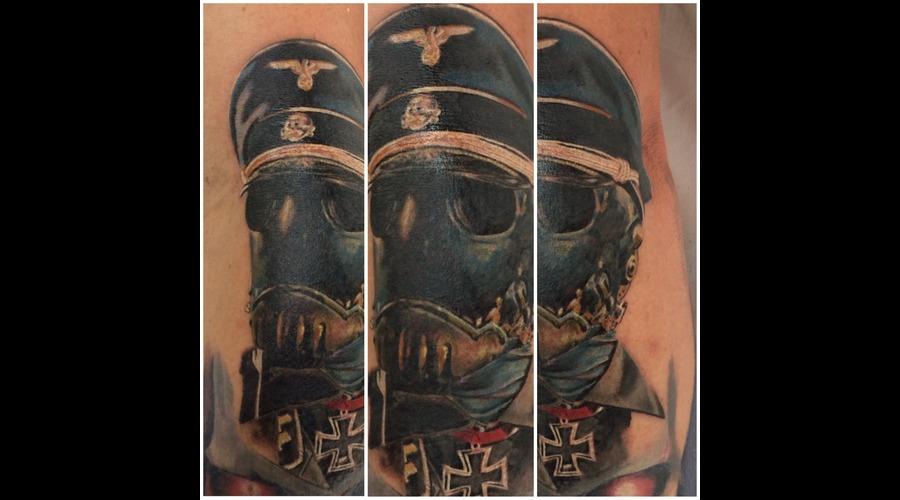 Kroenen Hellboy Porttrait Color Arm