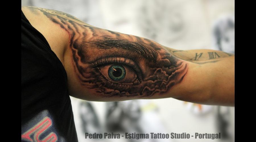 Eye Color Arm
