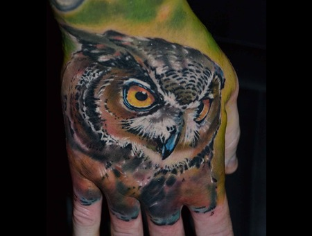 Owl On Hand Color Arm