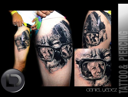Tattoo Negro Y Gris Real Viejo Lentes Black Grey Thigh