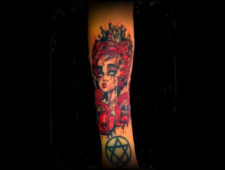 Alice In Wonderland  Zombe Queen Queen Of Hearts Girls With Tattoos Color Forearm