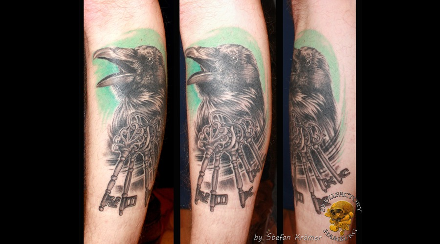 Key Raven Black Grey Lower Leg