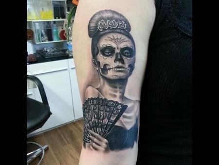 La Catrina  Dia De Los Muertos  Lady  Portrait  Mexico  Realistic Black Grey Arm