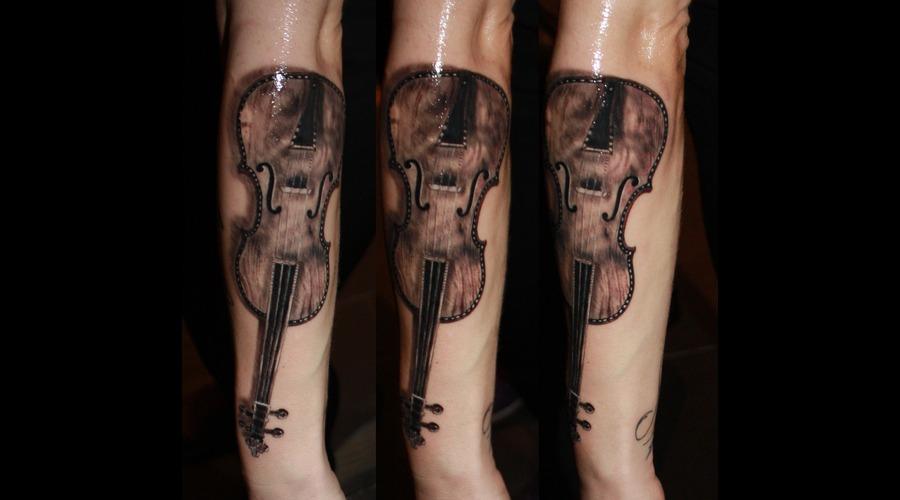 Tattooartist Montreal Gabor Zsil Black Grey Arm