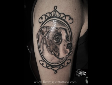 Memorial Dog Portrait Black Grey Arm