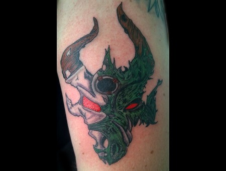 Dragon Skull Color Arm