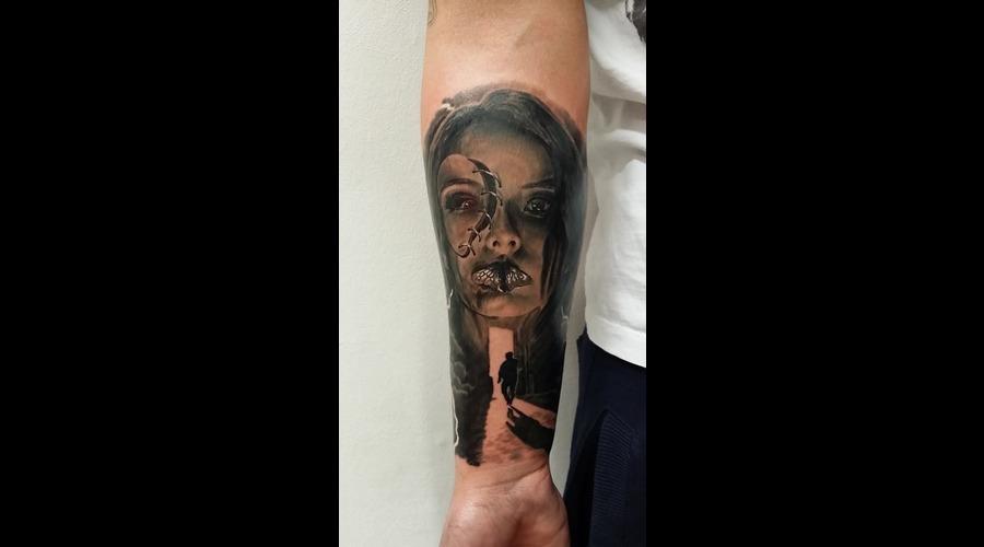 Face  Shadow   Black Grey Forearm