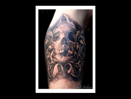 Filigree Skull Cool Dark Man Woman Black Grey Arm