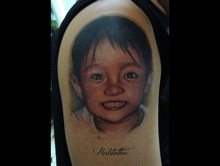 Boy  Portrait  Smile Color Shoulder