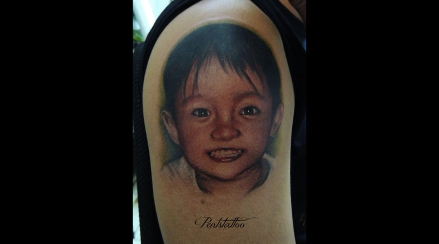 Boy  Portrait  Smile Color Shoulder