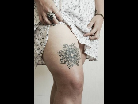 Mandala Black Grey Thigh