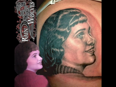 Realism  Portrait  Grandmother  Grandma  Family Black Grey Shoulder