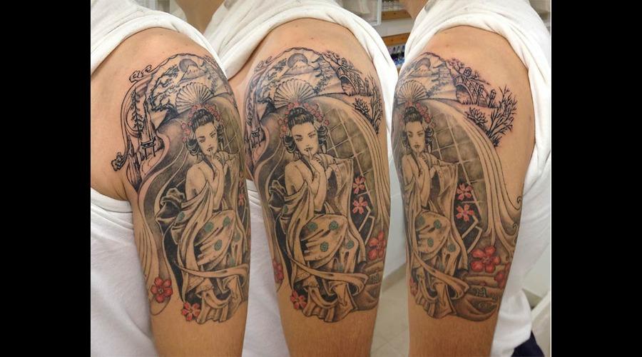 Geisha Black Grey Arm