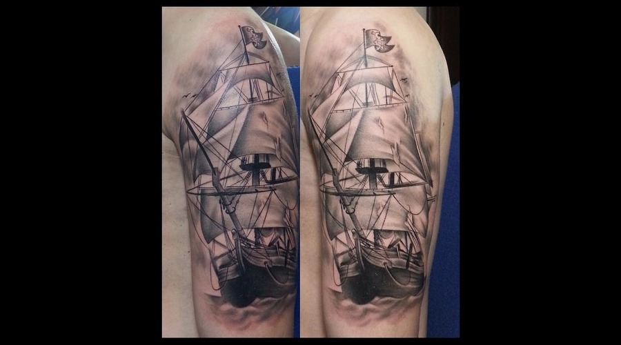 Realistic  Black And Grey Boat Black Grey Arm