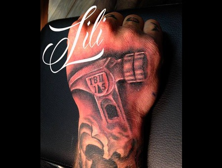 Hand  Hammer  Realism  Blackandgrey Forearm