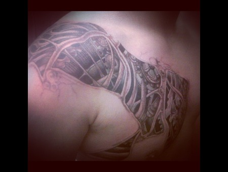 Biomechanic Freehand Chest