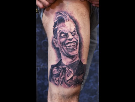 Joker Thigh