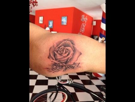 Rose  Murasaki Arm