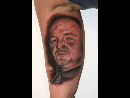 Memorial   Portrait Arm