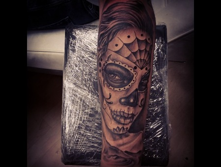 Catrina.Black&Grey.Tattoo.Arm.Realistic.Portrait.Diadelosmuertos.Calavera Forearm