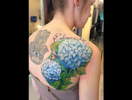 Flowers   Flower   Color   Realism   Realistic  Shoulder