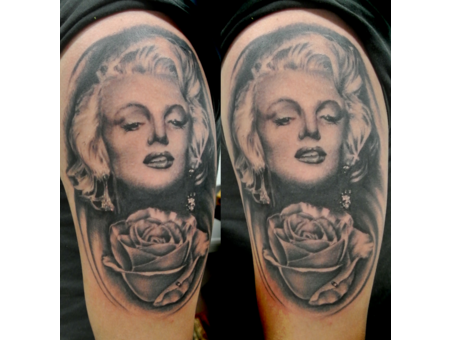 Marilyn Monroe  Rose  Portrait  Photo Realism  Realistic  Realism   Arm
