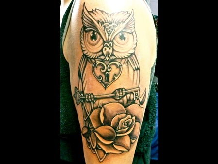Owl And Key/Rose Shoulder