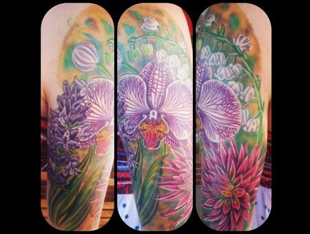 Flowers  Feminine  Arm