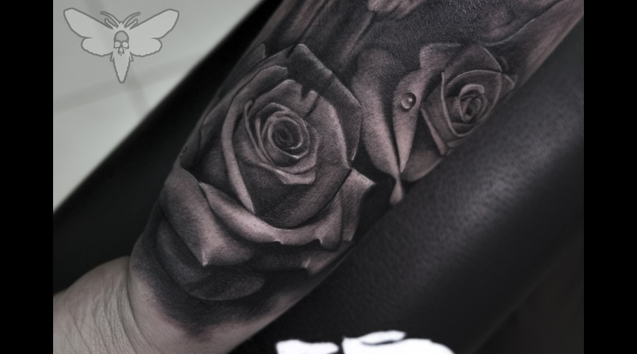 Roses  Black&Gray Arm